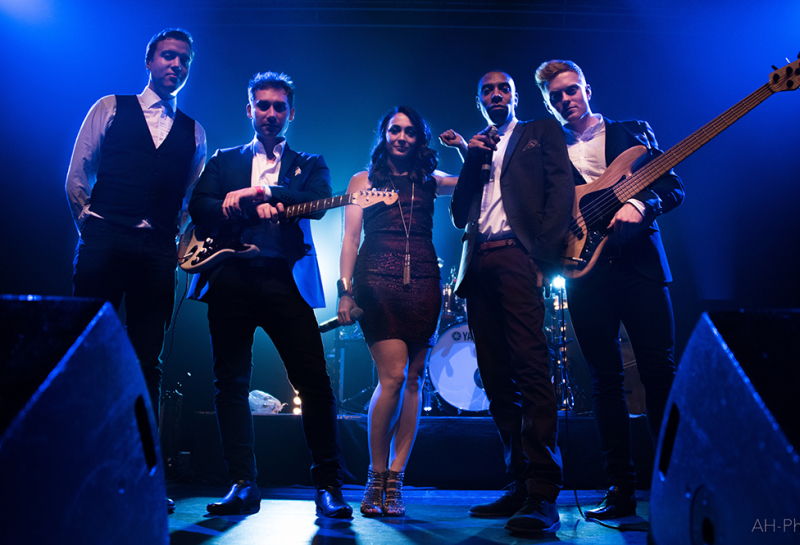 live wedding party band